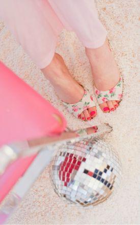 Mieszkanie na różowo | Zaglądamy do domu Tiffany Pratt