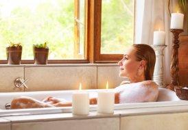 Relaks i pielęgnacja - bierzemy aromatyczną kąpiel