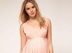 Sukienki ciążowe na lato - przegląd