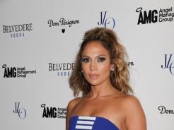 Jennifer Lopez w pięknej sukience mini